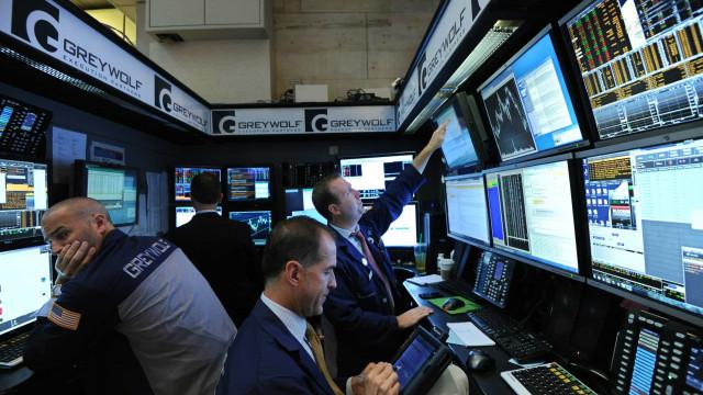 Wall Street fecha com melhor desempenho desde março