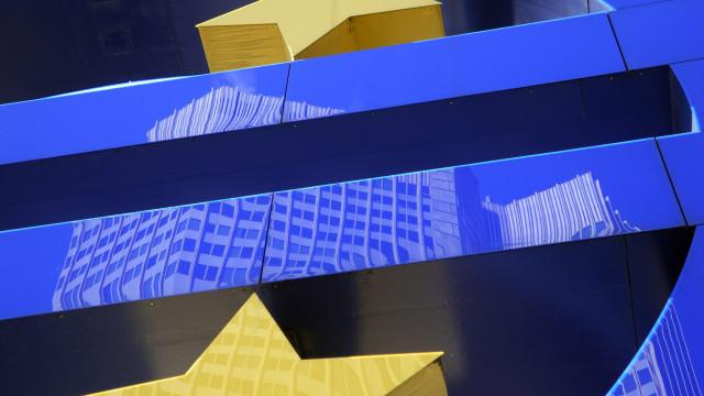 """O euro faz 20 anos. Moeda evitou um """"desastre maior"""" nas contas públicas"""