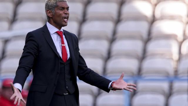 Federação Moçambicana renova contrato com selecionador Abel Xavier