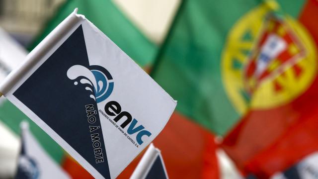 Cerca de 30 ex-trabalhadores concentrados contra extinção de estaleiros