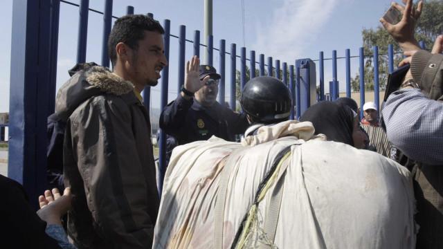 Homem ataca polícias no enclave espanhol de Melila