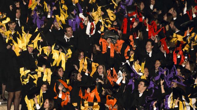 Portugal continua a ter doutorados a menos e em situação laboral precária
