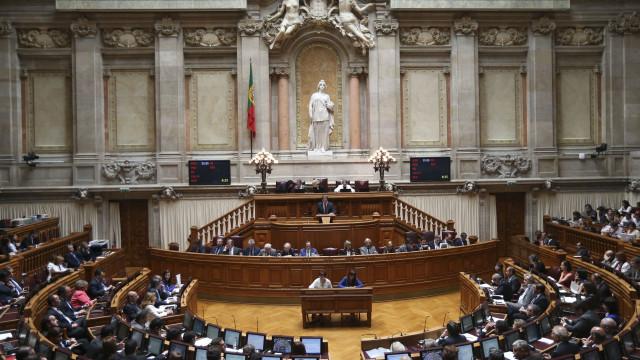 Programa de Estabilidade chega hoje ao Parlamento sob avisos do Bloco