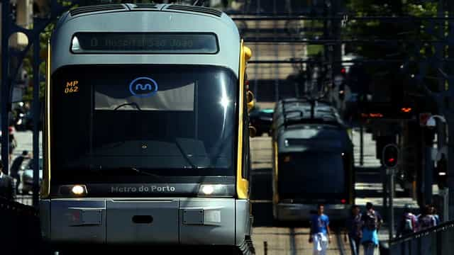 "Parlamento recomenda ""alargamento imediato"" do Metro do Porto"