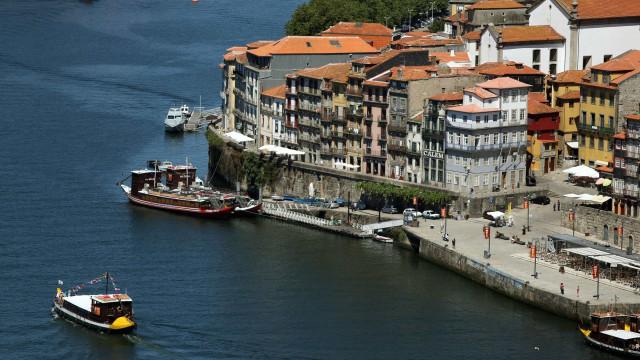 Assembleia Municipal do Porto aprova aplicar taxa turística de dois euros