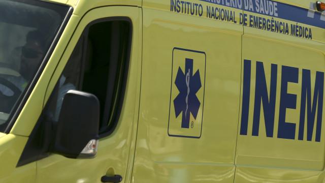 Cinco feridos em incêndio no Estoril. Dois são militares da GNR