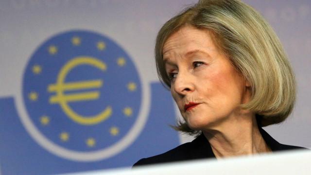 BCE defende fusões para reduzir número de bancos na Europa