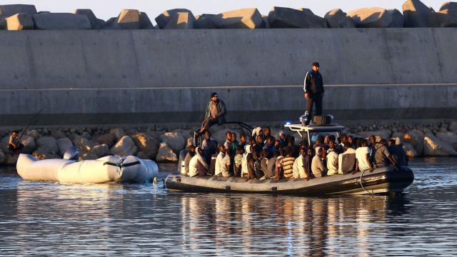 Mais de 100 pessoas desaparecidas após naufrágio ao largo da Líbia