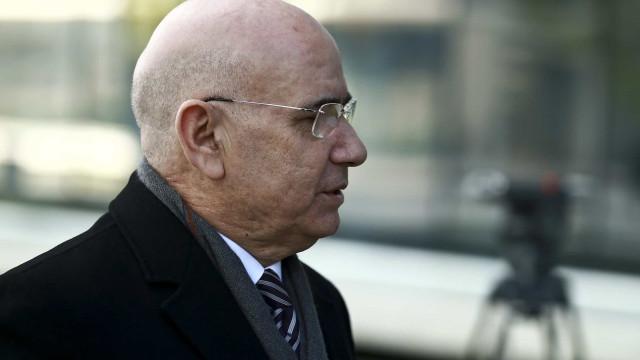Duarte Lima, de deputado e maestro a recluso da Carregueira
