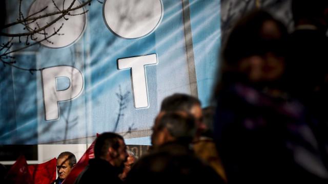 Cerca de 40 pessoas assinalam arranque da greve na PT