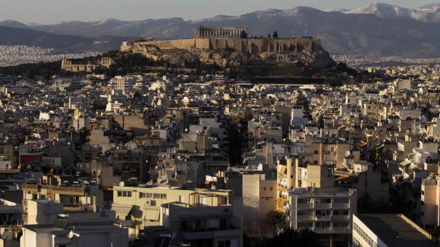 Alemanha congratula-se com regresso da Grécia ao mercado financeiro