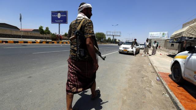 Ofensiva pró-governamental no Iémen causa pelo menos 61 mortos