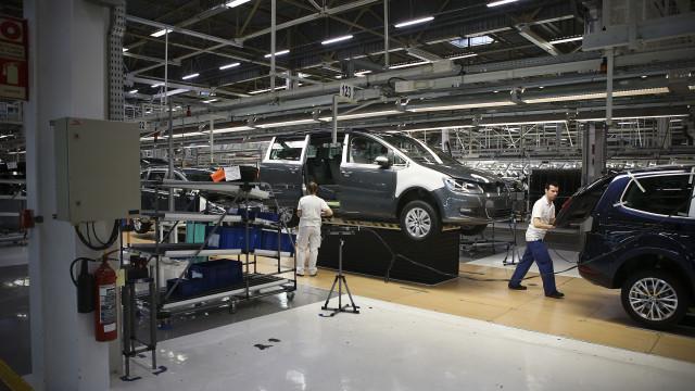 Autoeuropa garante que vai pagar a mais pela alteração de horários
