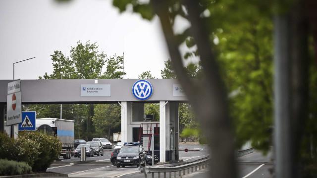 Governo acompanha situação na Autoeuropa e reuniu-se com a Volkswagen