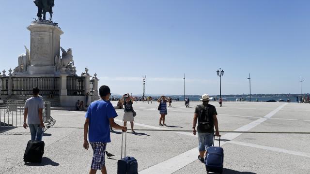 Alojamento turístico com expectativa de verão prolongado