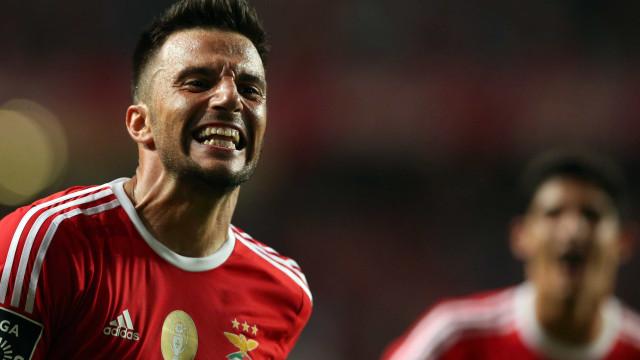 Benfica recorre para o Conselho de Justiça de castigo a Samaris