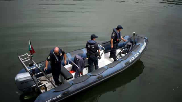 Polícia Marítima portuguesa resgata 20 migrantes na Grécia
