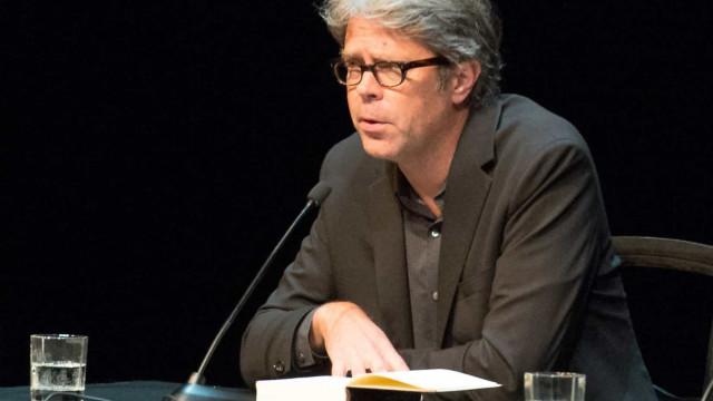 Novo livro de Jonathan Franzen publicado em Portugal e nos Estados Unidos