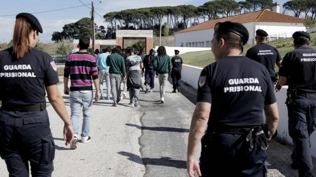 Adesão à greve nacional dos guardas prisionais ronda os 80%