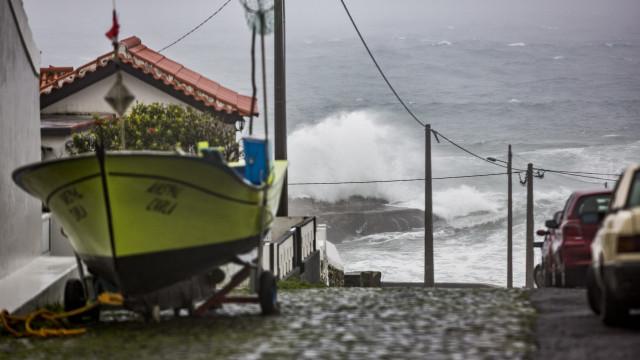 Proteção Civil dos Açores alerta para agravamento do tempo: Proteja-se