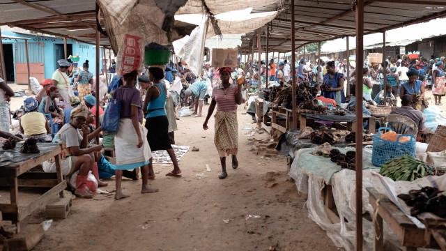 Angola propõe-se a reduzir pobreza extrema a três milhões de pessoas