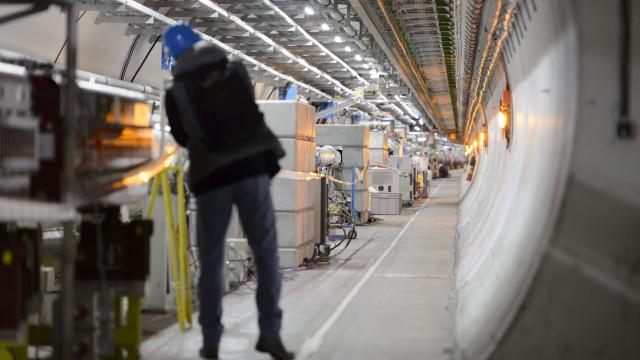 Maior acelerador de partículas do mundo entra em obras