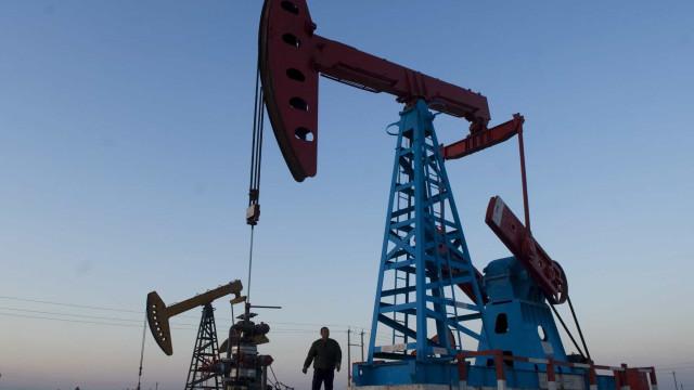 Produção petrolífera angolana desce mais de 100.000 barris por dia