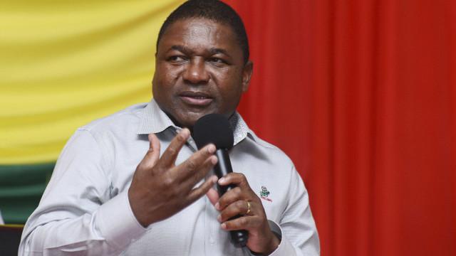 Presidente moçambicano felicita Macron e evoca relações bilaterais
