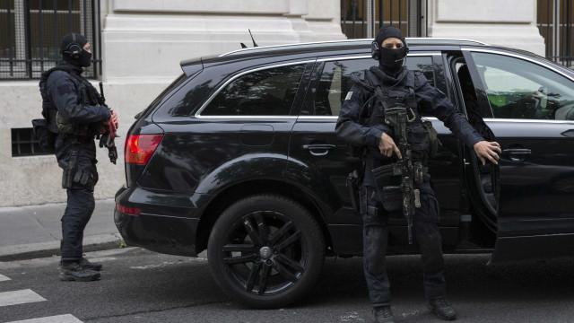 Atentados: Salah Abdeslam em silêncio perante juízes franceses
