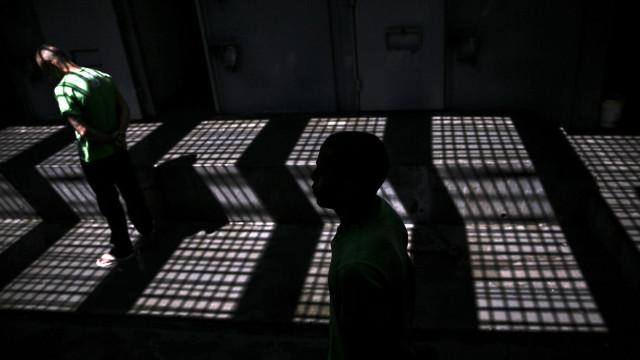Venezuela: Pelo menos dez portugueses vão permanecer em prisão preventiva