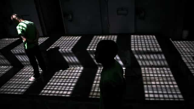 Recluso condenado a 13 anos de prisão por ter matado companheiro de cela