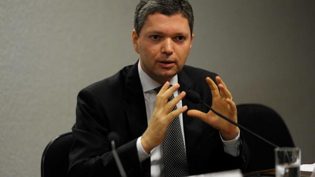 Brasil: Ministro demite-se após divulgação de escutas