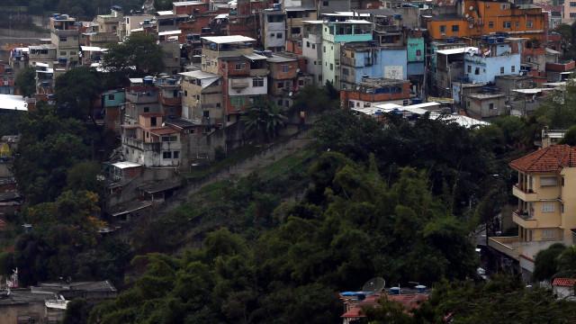 Sete corpos encontrados numa favela após operação policial