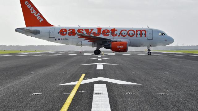 Voos da easyJet entre Lisboa e Londres cancelados devido a mau tempo