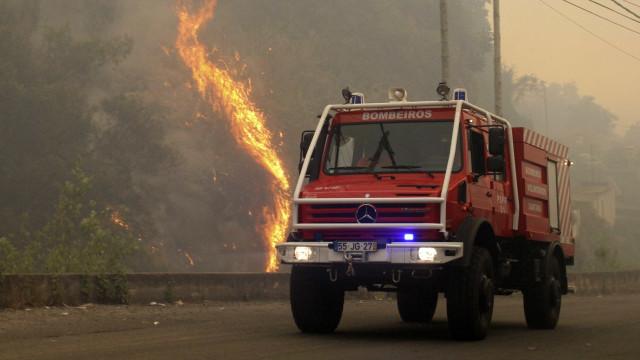 Incêndios: EN3 e ER351 cortadas no distrito de Castelo Branco