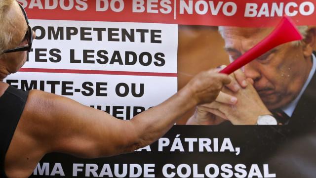 Emigrantes lesados do BES voltam a protestar em Lisboa
