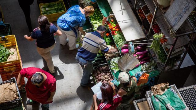 Preços subiram 56,7% em novembro na Venezuela