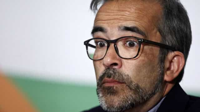 """Paulo Rangel acusa Costa de estar """"desaparecido em combate"""""""