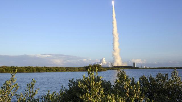 Sonda espacial chega na segunda-feira a asteroide para recolher amostra