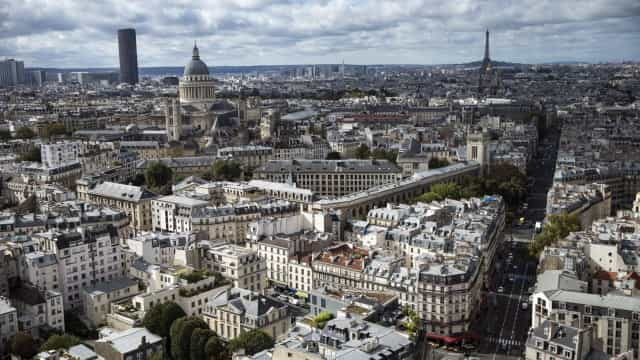 Governo francês distancia-se da ideia de referendo lançada por Macron