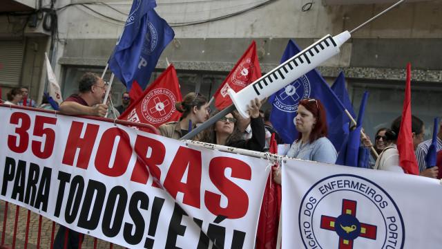 Enfermeiros suspendem greve e protesto