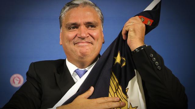 """Governo dos Açores quer """"tratamento diferenciado"""" na """"descentralização"""""""