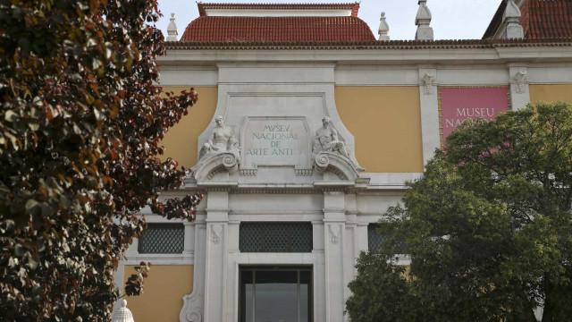Abordagem gráfica europeia dos anjos em exposição no Museu de Arte Antiga