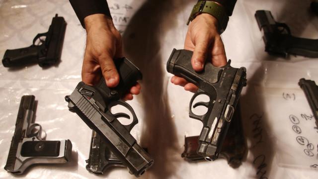 Homem detido em Vouzela por posse ilegal de 43 armas
