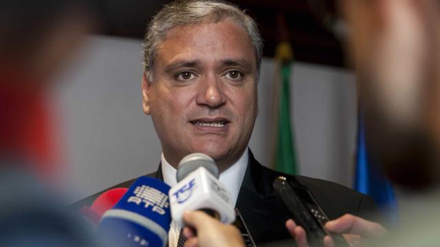 Vasco Cordeiro felicita novo líder do PSD/Açores