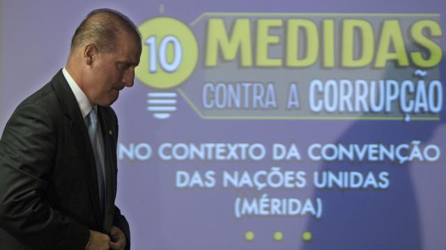 Juiz autoriza investigação contra braço direito de Bolsonaro