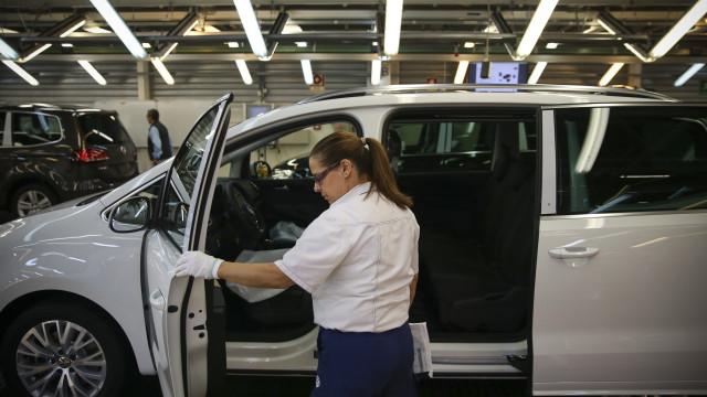 Autoeuropa: Administração e trabalhadores em nova ronda de negociações