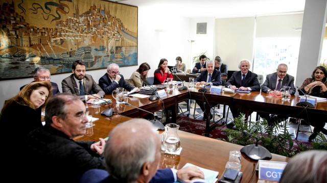 """PEC: Reunião de sexta-feira inclui """"assinatura de adenda ao acordo"""""""