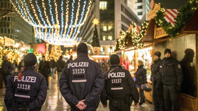 Polícia alemã detém irmãos que preparavam atentado a shopping