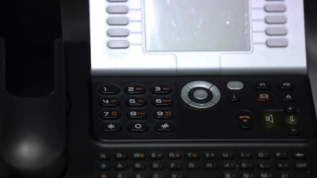 Metade dos centros de contacto telefónico digitalizados e automatizados